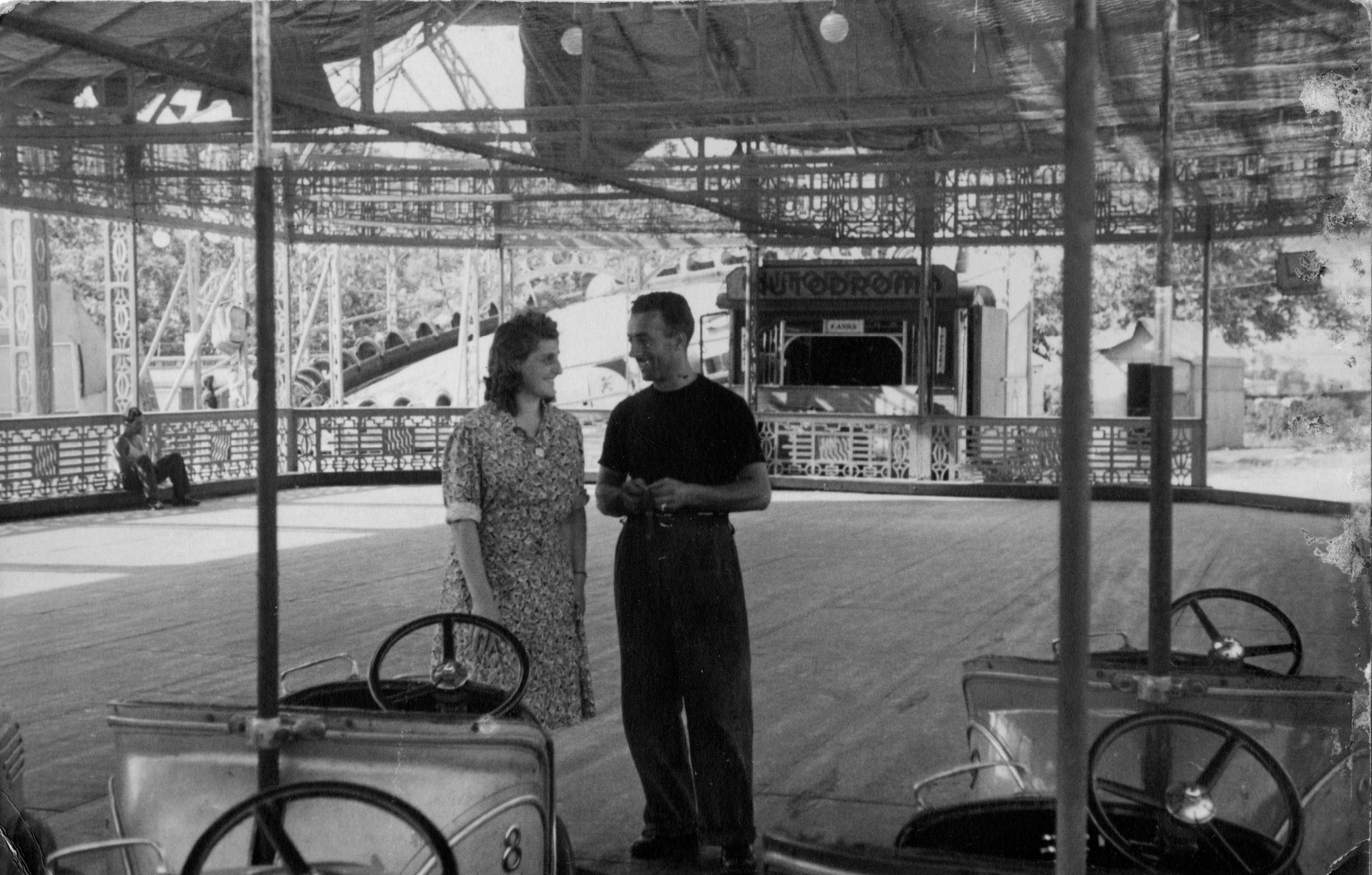 Giuseppe Pugliè e la moglie Iside Livero sotto l\'autoscontro